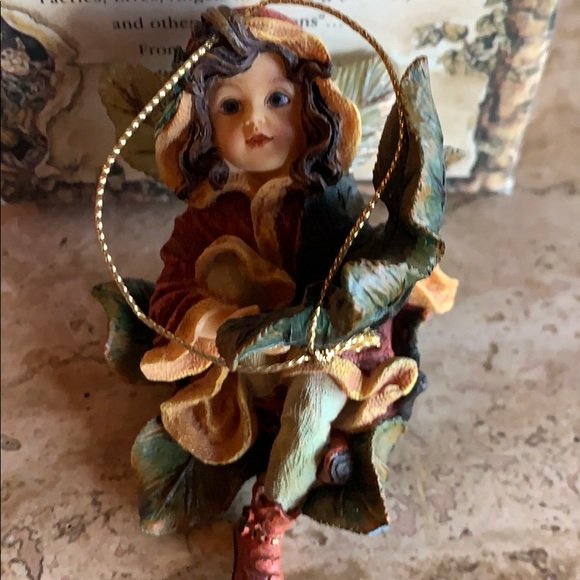 Retired Boyds Bears wee Fairy collection no